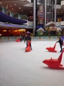 Du har mulighed for at stå på skøjter året rundt i 'My Mall' i Limassol - et køligt frirum fra sommervarmen samt kombineret shopping.