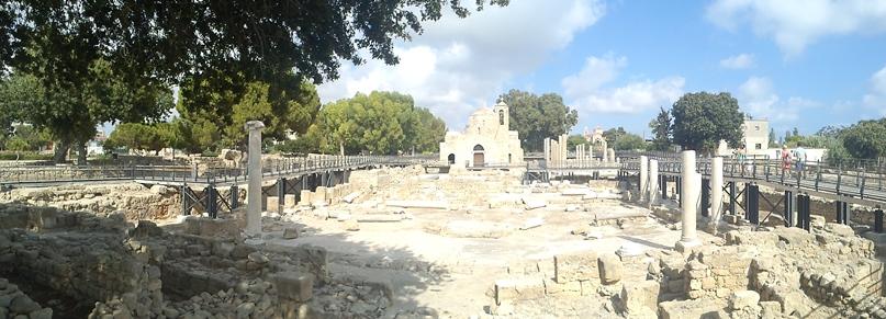 Chrysopolitissa kirken i Paphos, hvor Kong Ejegods mindeplade er placeret.