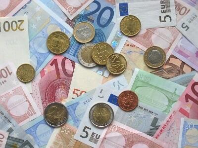 Cyperns økonomi har været noget af en rutchetur og blev ligesom resten af verden ramt af den økonomiske krise i 2012.