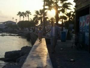 Du er garanteret sol, strand, vand, varme og palmer fra april til oktober i Cypern